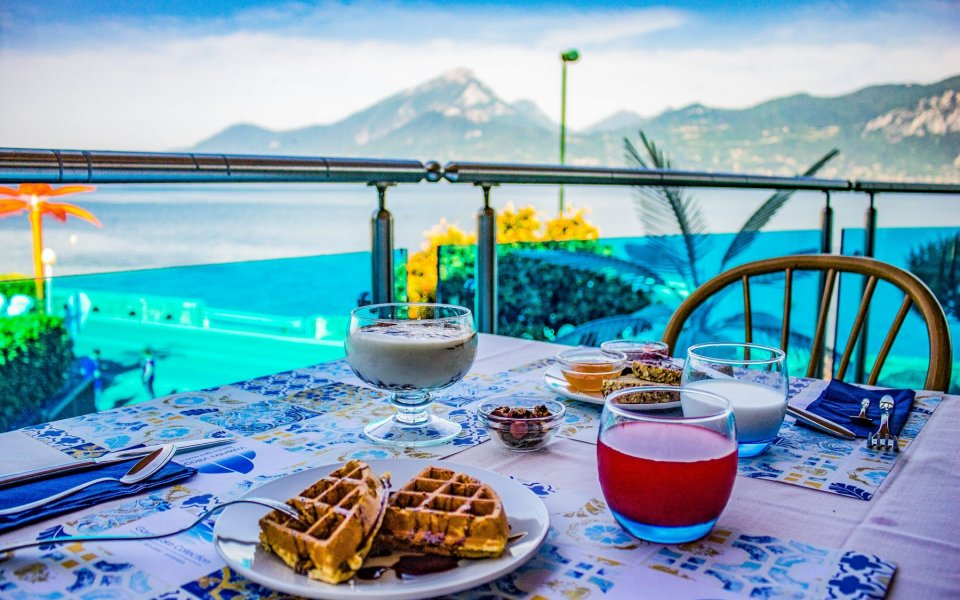 April offer on Lake Garda